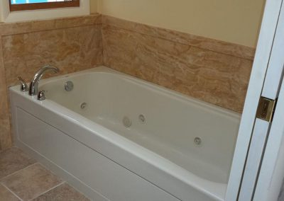 Jetted Bathtub with Acrylic Walls